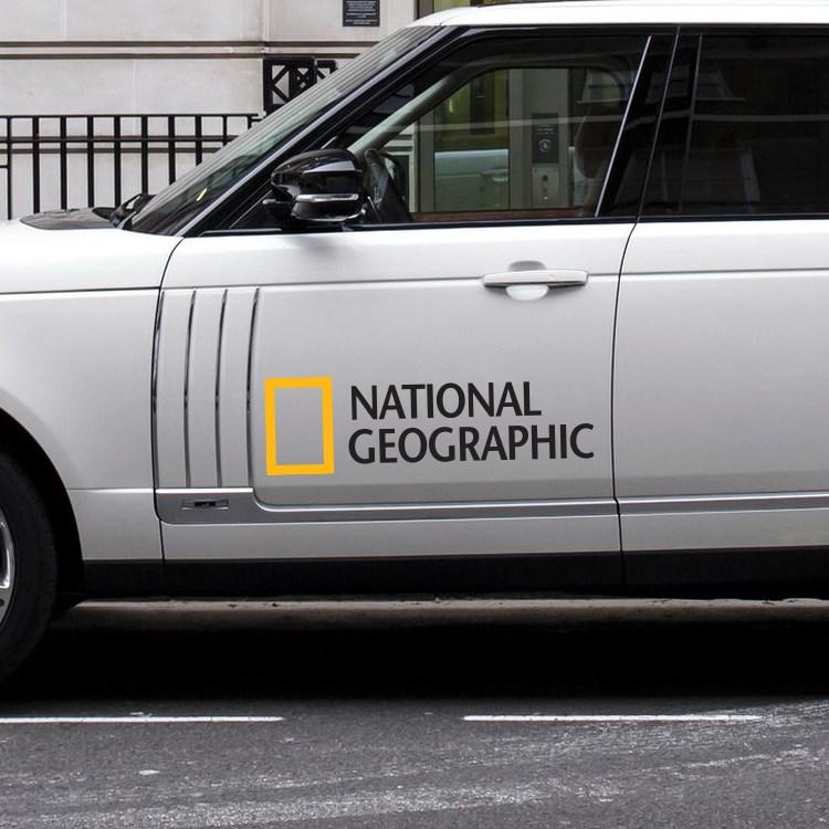 내셔널지오그래픽 (중형) 차량용 스티커 오프로드 SUV 캠핑 튜닝 범퍼 데코 포인트, 1개, 블랙 (20cm x 5.9cm)
