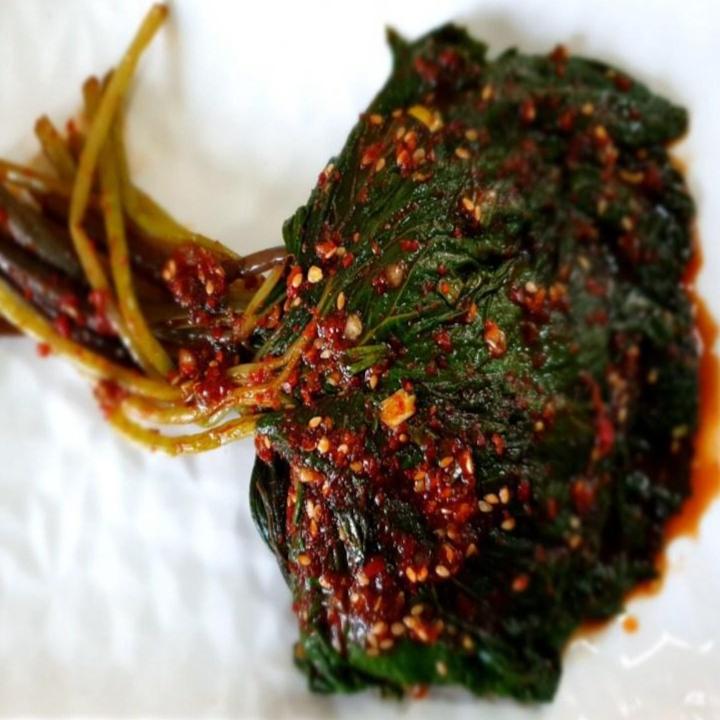 머위김치 봄나물김치, 1)데친머위김치500g