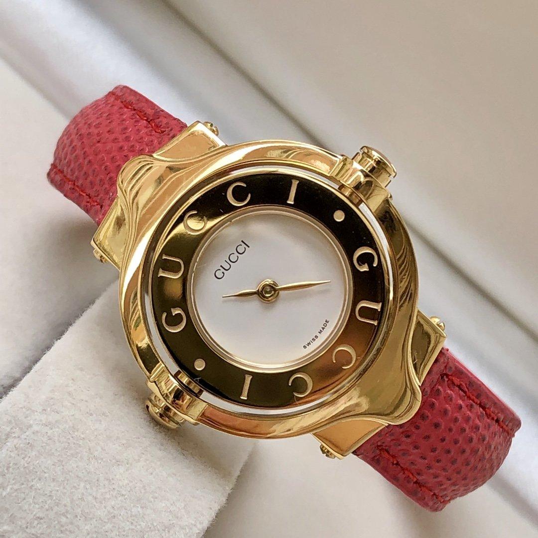구찌 여성 엔티크 시계 YA112443