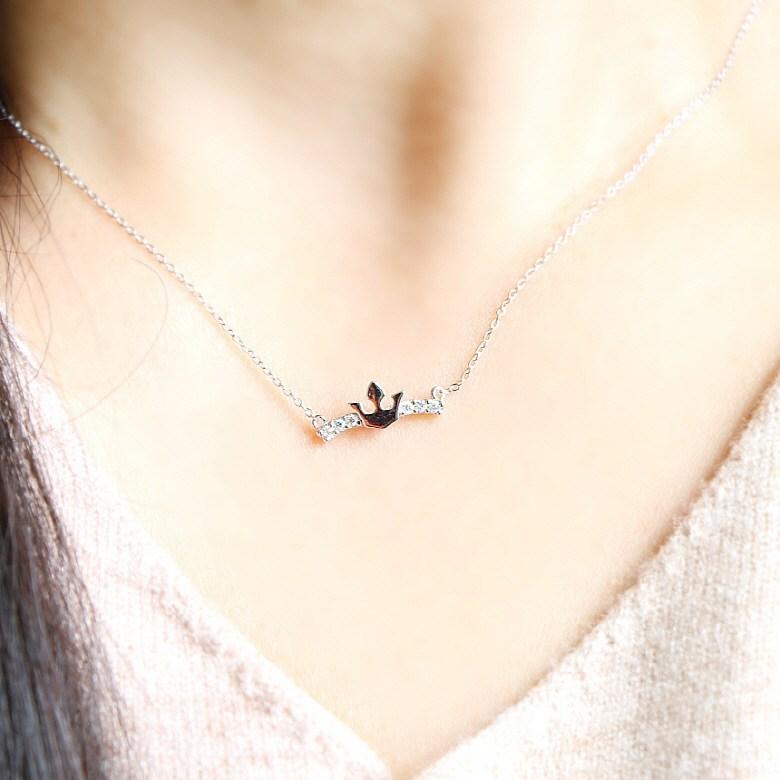 더걸링 2color 여리여리 체인 큐빅 왕관목걸이 목걸이