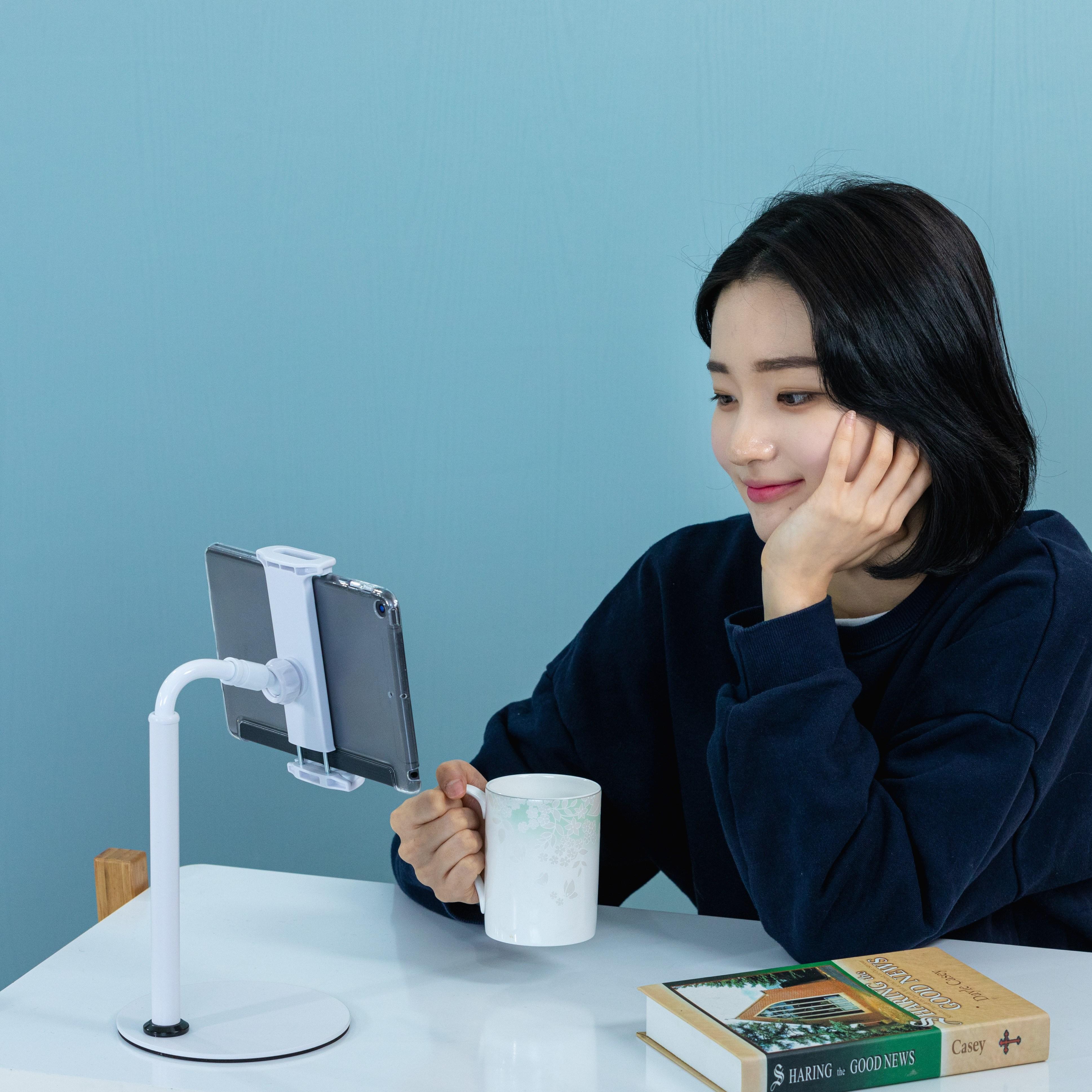 JIVA 책상 탁상 스마트폰 태블릿거치대 침대 자바라 핸드폰거치대, 1개, 화이트