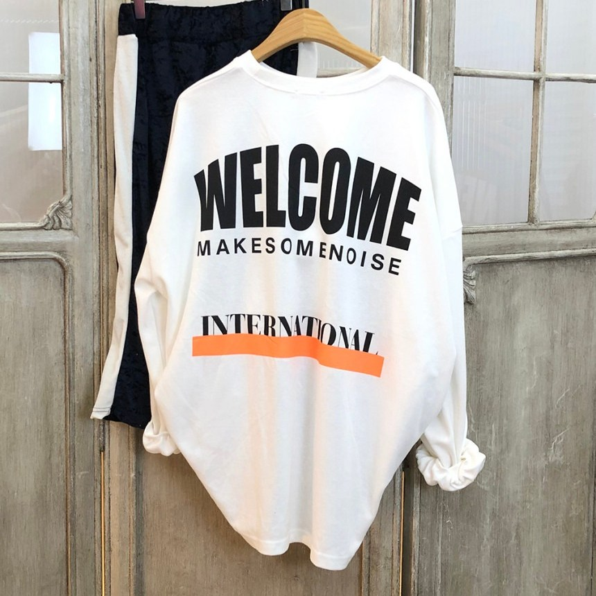 이힝 웰컴레터링 루즈핏 박스티셔츠 긴팔 티셔츠