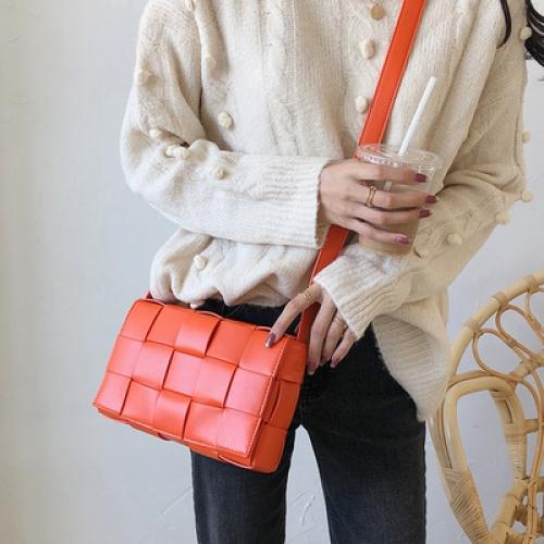 생활도움 가방녀 2020 패션 퀼팅두부 가방 숄더 겸 크로스백 유러피언 블록 스몰백