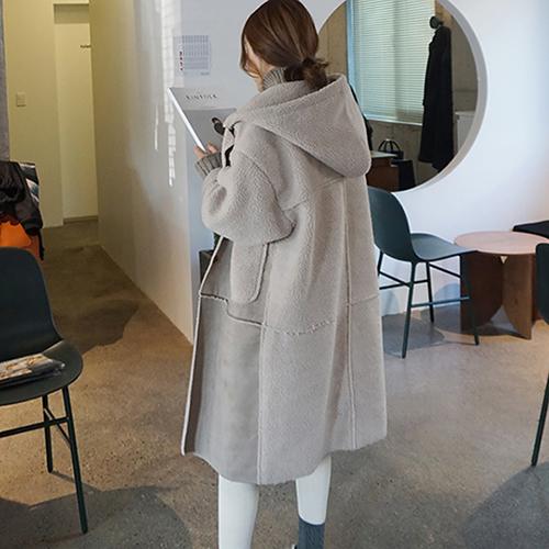 seokcase 페이크 양털 무스탕 후드 코트 T603390949320