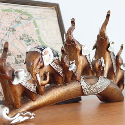 제이콥 재물과 장수를 부르는 코끼리 대가족 도자기 장식품