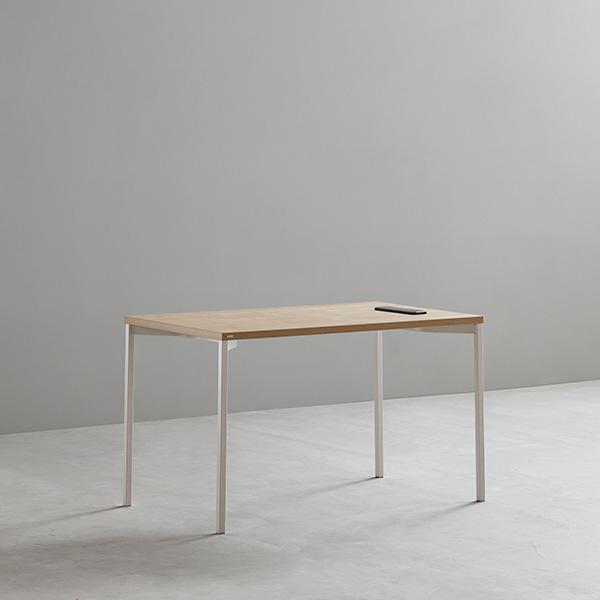 데스커 1인 노트북 책상 (빌트인 콘센트) 1000X600, 블랙+블랙