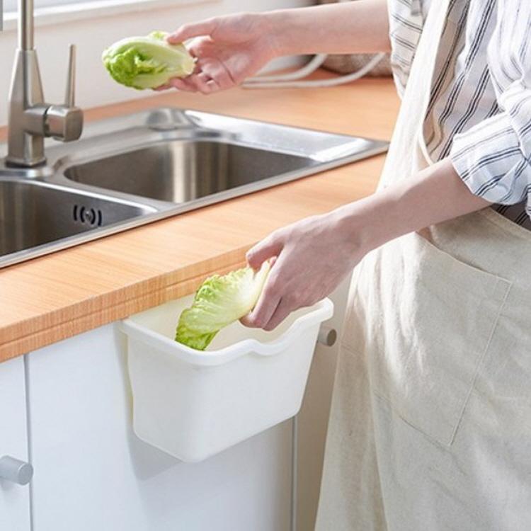 [투썬빌리지] 문에 걸어쓰는 주방휴지통 2color - 초간단 음식물쓰레기통, 그레이